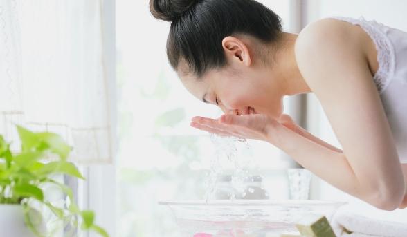 【夏天暗瘡特別多?】夏日護膚秘訣大公開!